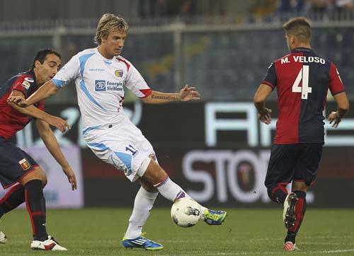 Genoa-Catania del 21 settembra 2011. Maxi lopez in azione (Foto M.Luzzani)