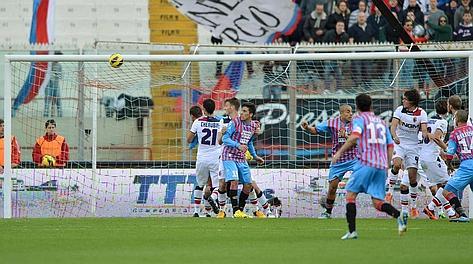 Il goal di Almiron  (AP Photo/Carmelo Imbesi)