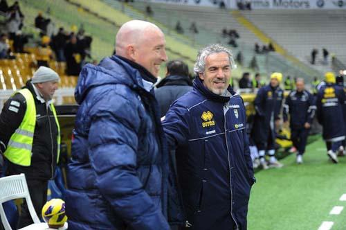 """Maran e Donadoni nel match di Coppa Italia al """"Tardini"""" (Foto D.Panato)"""
