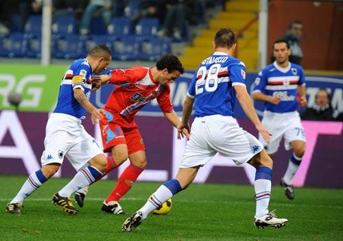 Ledesma in azione nel Sampdoria-Catania del 7 novembre 2010 (Foto: Massimo Cebrelli)